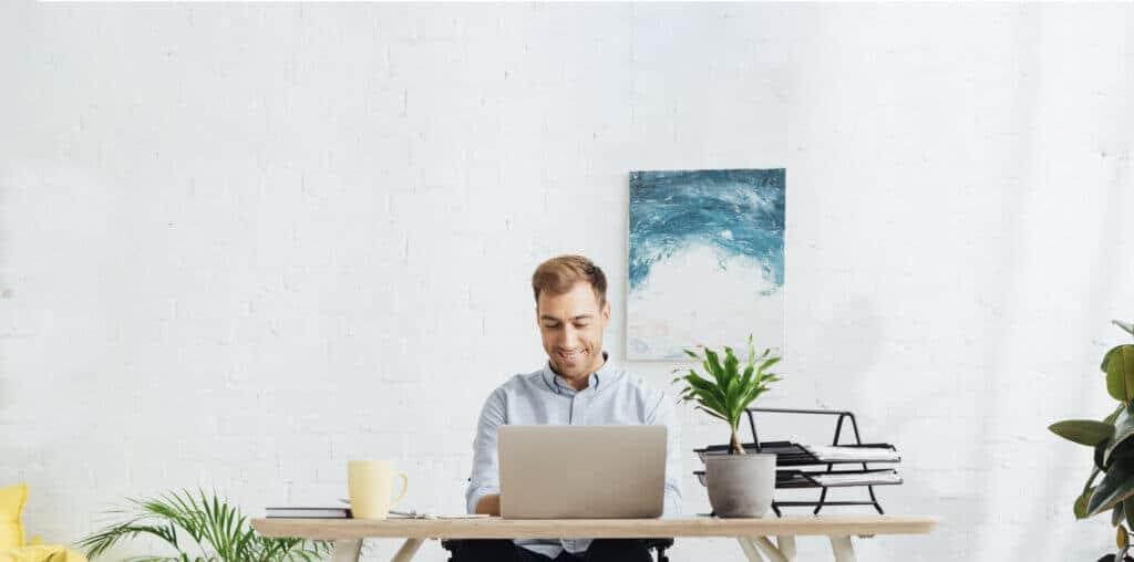Online Coaching ist der neue Standard. Kaum eine Sitzung wird mittlerweile Vorort abgehalten. Dafür ist das Risiko noch zu groß sich anzustecken